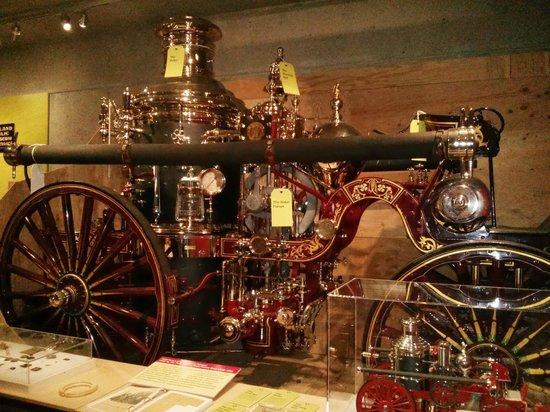 Oakland Museum of California: Steam pump