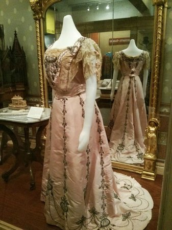 Oakland Museum of California: Beautiful women dress from golden rush times