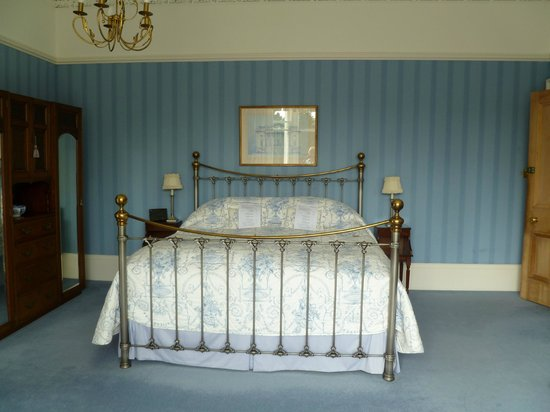 Westerton Bed and Breakfast: Blue room at Westerton