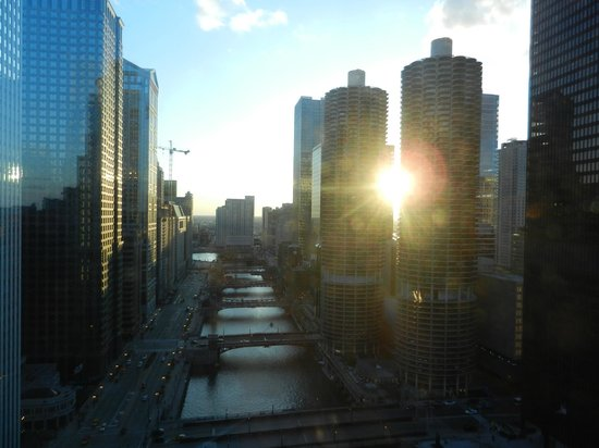 Wyndham Grand Chicago Riverfront: sunset from my suite