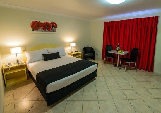 Rocky Gardens Motor Inn : Queen Room
