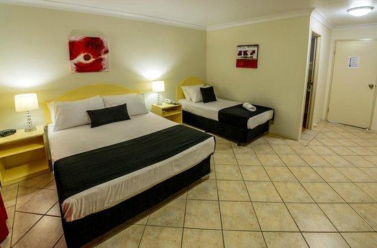 Rocky Gardens Motor Inn : Twin Room