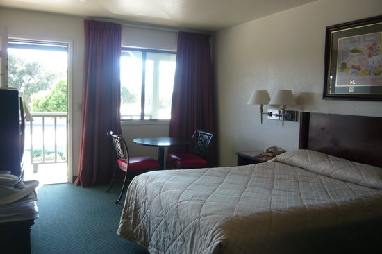 Soledad Motel 8: Upstairs room