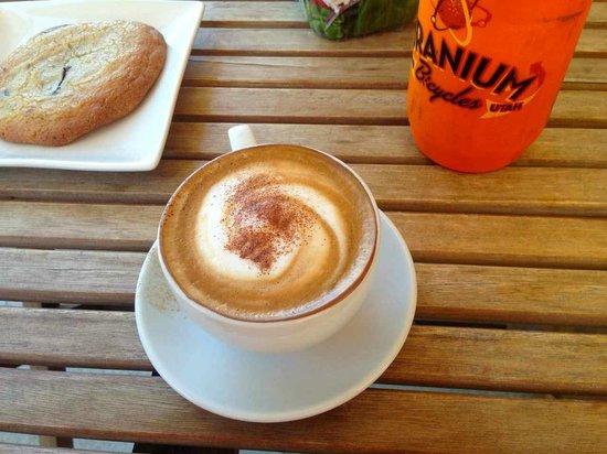 Alice's Village Cafe : cappucino