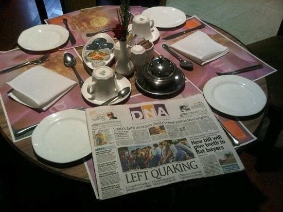 Fariyas Hotel Mumbai : Breakfast Table reminiscent of old days