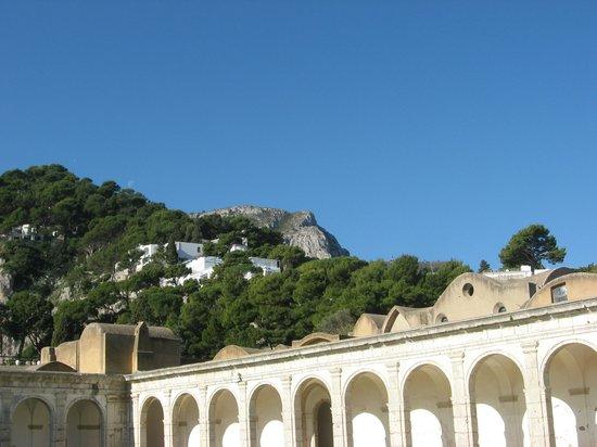 La Certosa di San Giacomo: beautiful hillside location