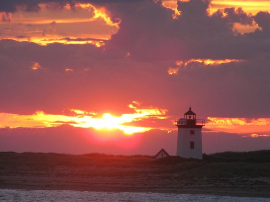 Liberty Hill Inn : Beautiful Sunset coming around the Cape back to Provincetown MA