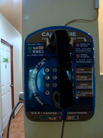 El Oasis Hotel & Restaurant: The communal phone at El Oasis Hotel