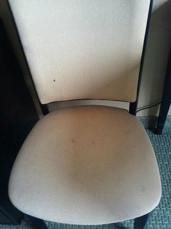 Comfort Inn Gold Coast: Every chair was stained and filthy.