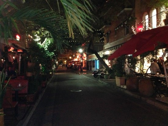 The Clay Hotel: Rua onde o hotel está localizado.