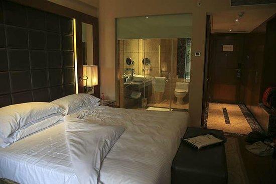 Radisson Blu Plaza Delhi: Bedroom