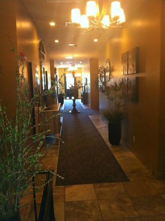 The Tavern Hotel: Hallway of Hotel