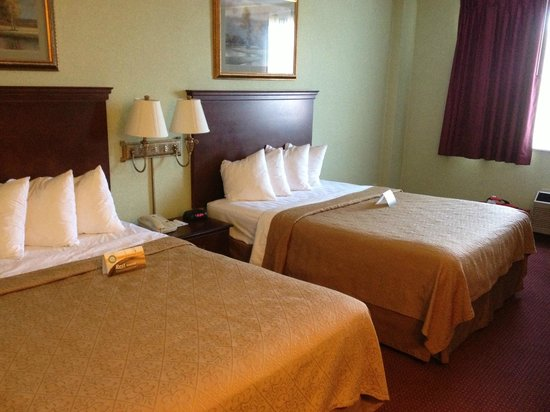 Quality Inn and Conference Center: Room 2