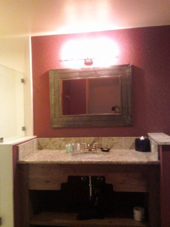 Santa Claran Hotel Casino : Bathroom Sink