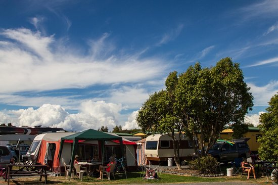 Miranda Holiday Park: Powered sites for motorhomes and caravans