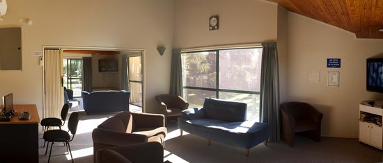 Miranda Holiday Park: Communal TV Lounges and Internet Kiosk