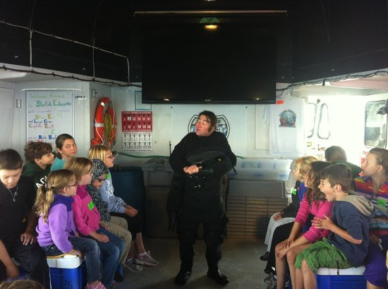Diver Ed's Dive-In Theater: Diver Ed talking to the kids