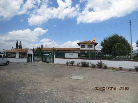 Finca Sala Vive by Freixenet Mexico: The gate at the entrance
