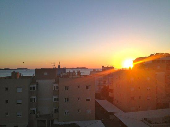 Apartamentos El Moro: View from balcony