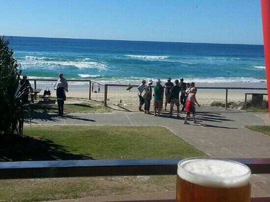 เดวิลเลอพาร์ตเมนท์: taken from surf club deck 1min walk from DeVille Apartments