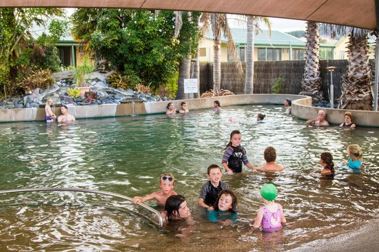 Miranda Holiday Park: Hot mineral pool 38 degrees celcius
