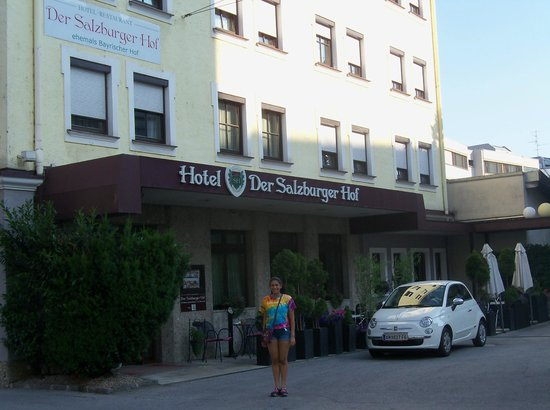 Der Salzburger Hof: Front of the hotel