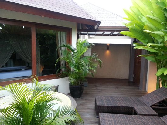 Kanishka Villas: outside