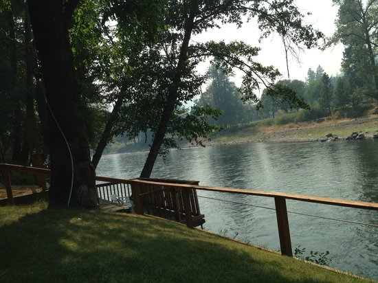 Bella Rosa Inn: On the Rogue River their private dock across the street.