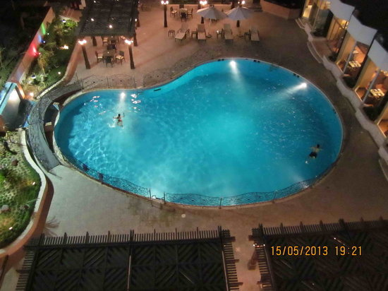 Pullman Al Hamra Hotel : Pool view from the room
