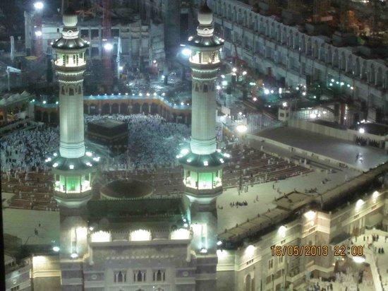 Pullman ZamZam Makkah : Al-Ka'bah at night time from the hotel room