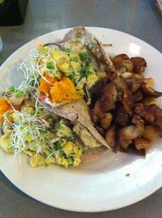 Manatee Cafe: Breakfast Burrito #1