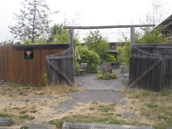 Backdoor Kitchen & Catering: Not marked at all, but this is the gate to Back Door's garden dining.