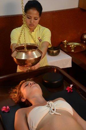 Pride Sun Village Resort and Spa: Shirodhara