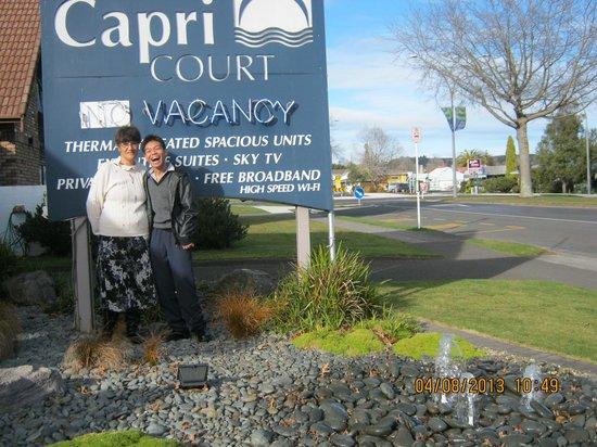 Arista Capri Motel: Val & Paulo