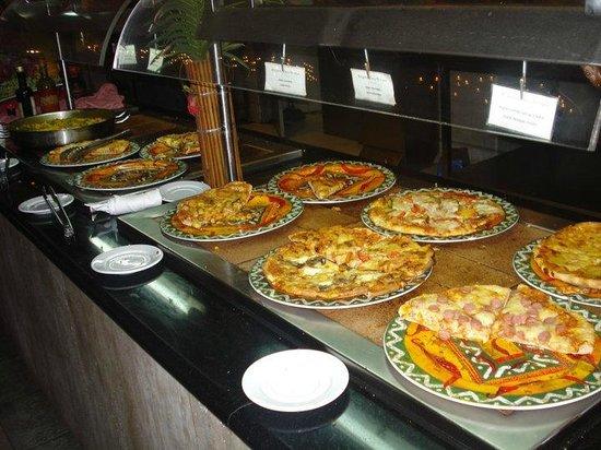 Hesperia Playa El Agua: pizzas del el restaurant italiano