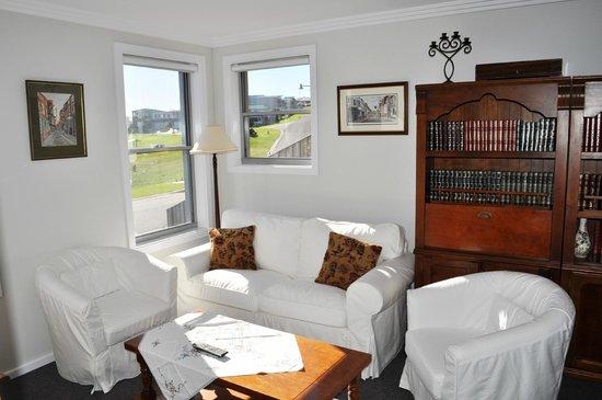 Tanderra Bed & Breakfast: Guests Sitting Room