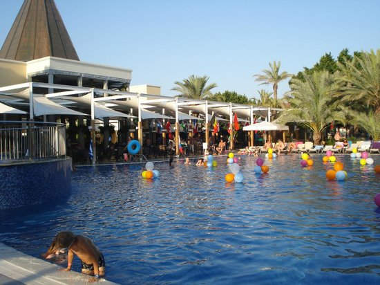 Piscine d bordement sur la plage foto di club asteria for Piscine 07500