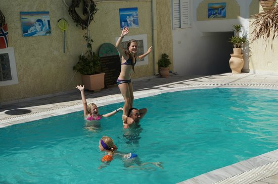 Sellada Apartments Hotel: Fun by the Pool