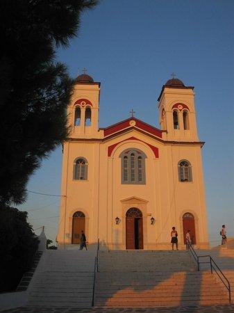 Hotel Fotilia: Eglise à proximité