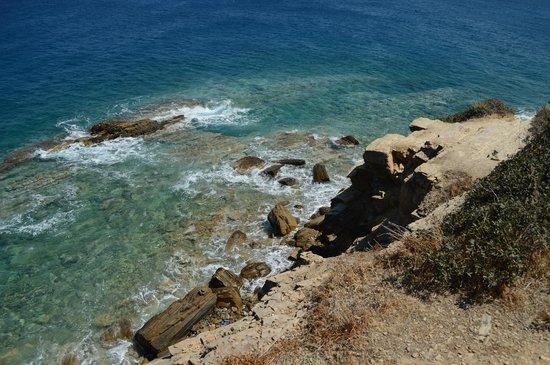 Ormos Hotel : Со скалы