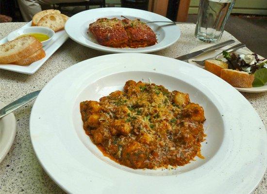 Noli: Gnocchi with bolognese