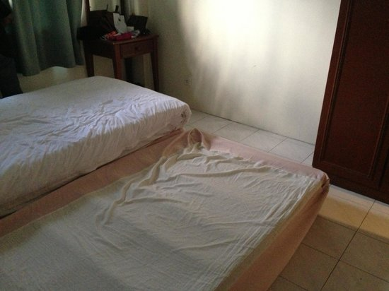 Coral Bay Resort, Pangkor : Bed