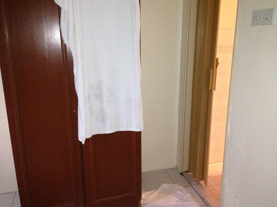 Coral Bay Resort, Pangkor : Bathroom 2