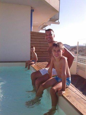 Hotel Aragosta : NOI NELLA PISCINA DELL'ALBERGO