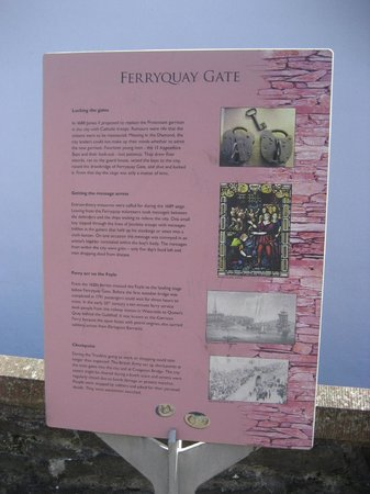 Ferryquay Gate: Sign
