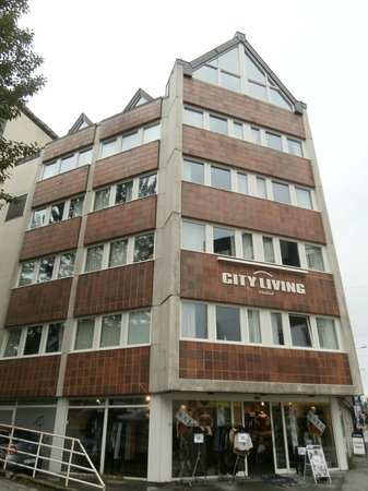 City Living Hotel & Apartments: city living