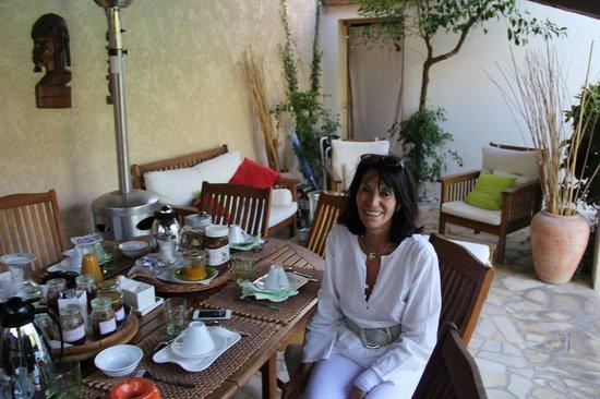 La Palmeraie : Outdoor dining area