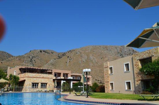 Hotel Areti Megala Horafia: Pool