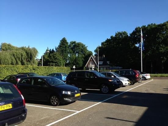 Van der Valk Hotel Hardegarijp : parkeerplaats