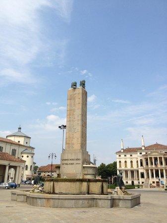 Noventa Vicentina, Italie : Piazza 4 novembre